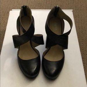 Levity Leather Heels, Hebe Black, 6-1/2 Round Toe